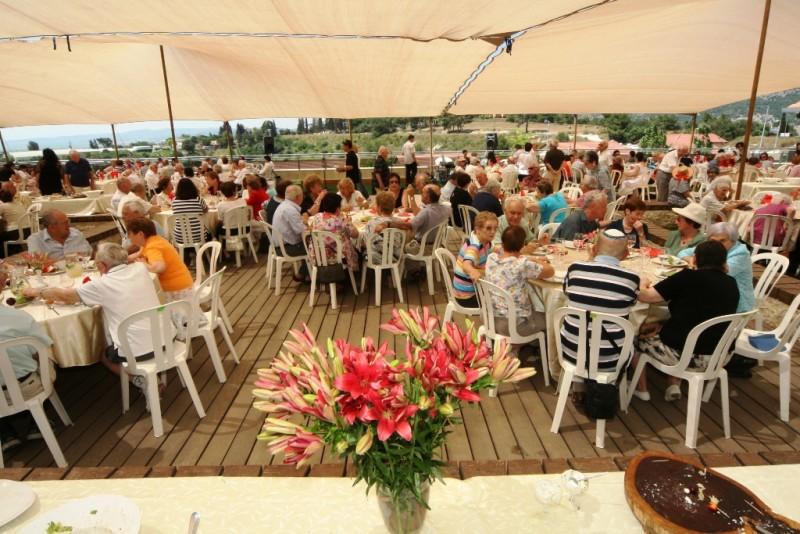 מסיבת קיץ על הגג בדור טבעון דיור מוגן