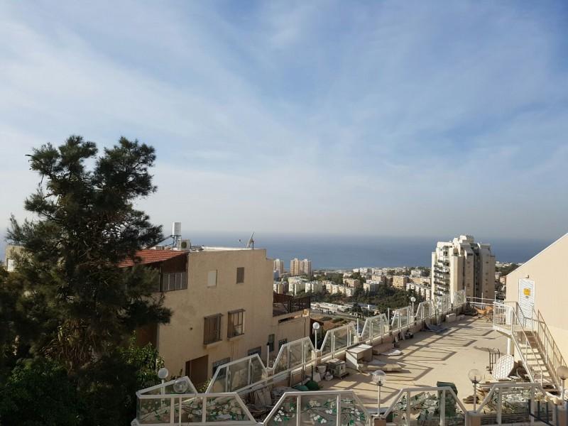 בניין בית אבות בחיפה