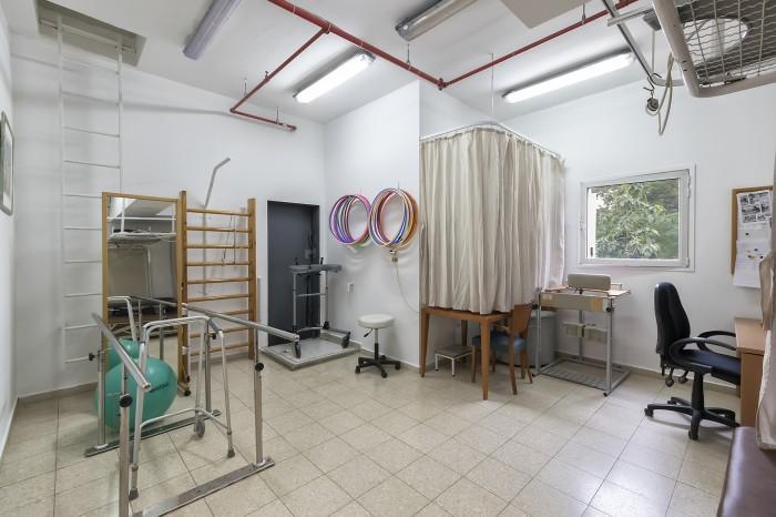 בית אבות סיעודי במרכז - יקירי תל אביב