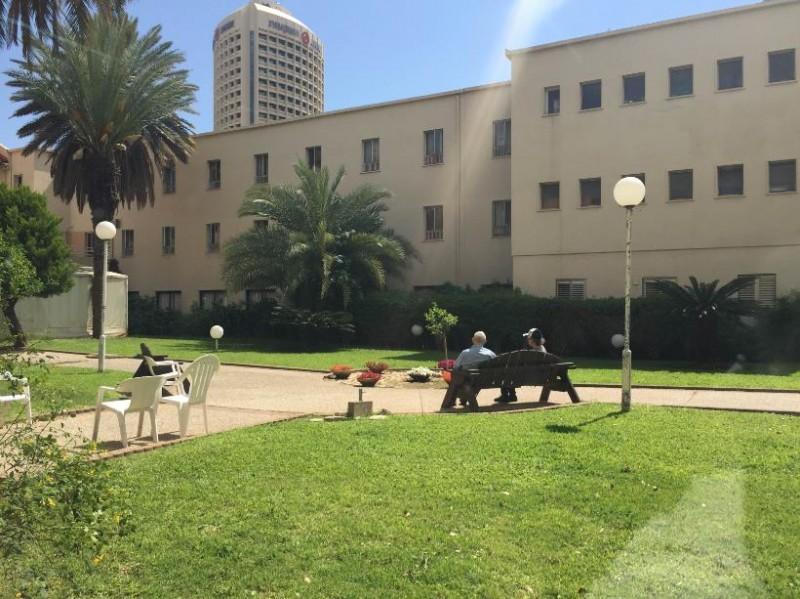 בתי אבות בתל אביב