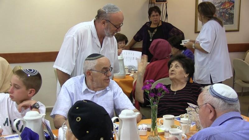 פינות ישיבה ואירוח בדיור מוגן בירושלים